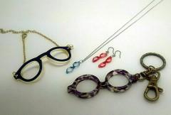 メガネ型アクセサリー(ピアス、イヤリング、ネックレス)